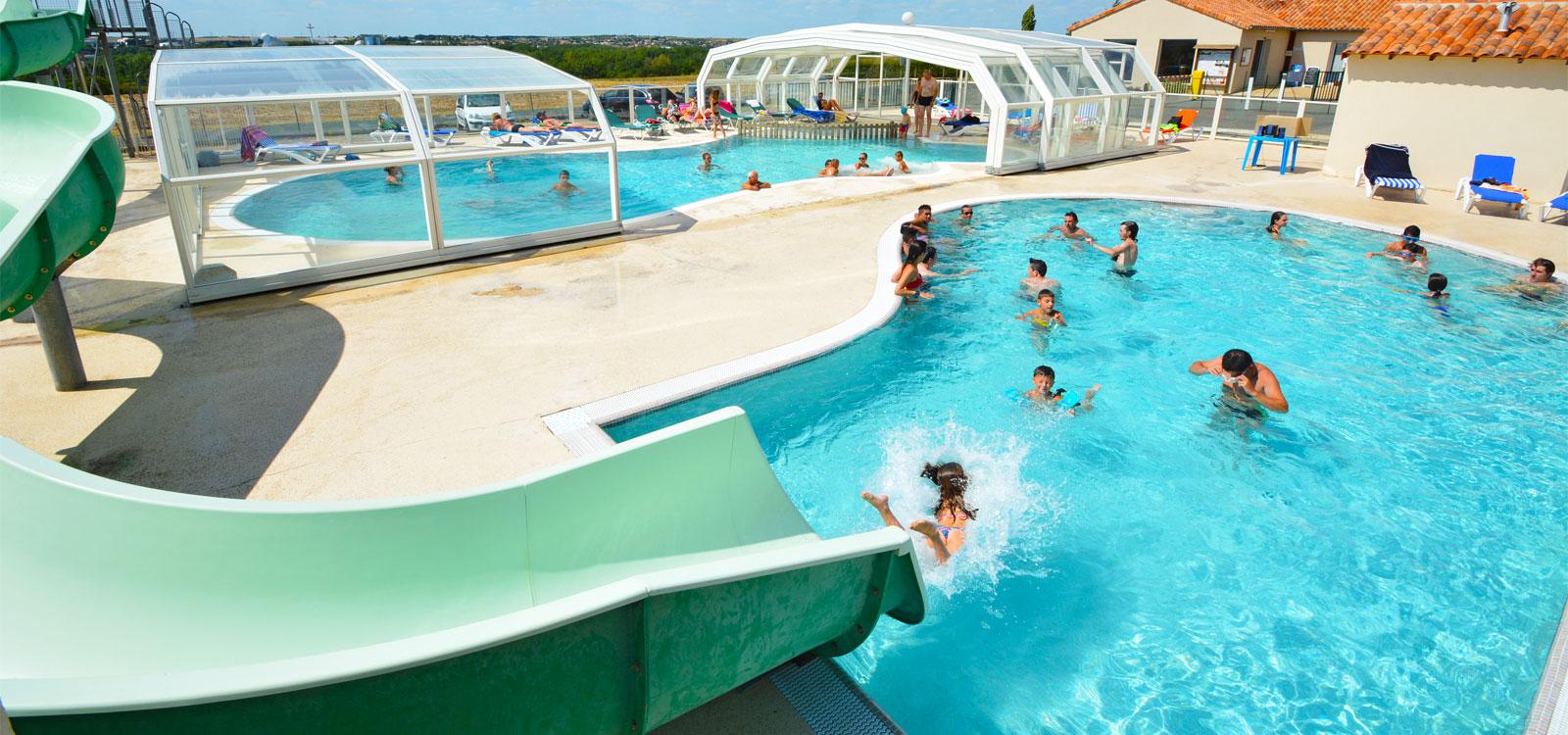 Camping le futuriste camping futuroscope accueil for Constructeur piscine poitiers